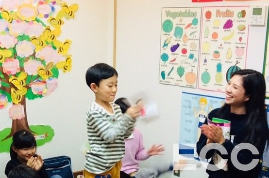 「What do you eat for snacks?」「I eat ice cream.」自信もって発表できました★|甲子園校の子供英会話・小学生の英会話教室・スクール